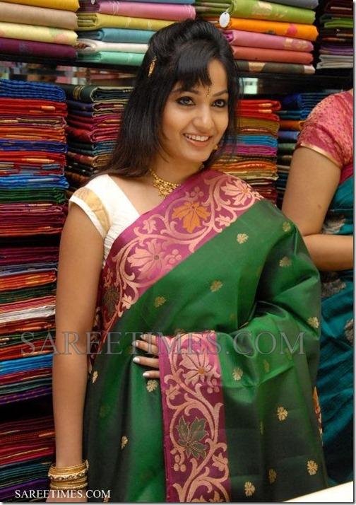 Madhavi_Latha_Green_Saree