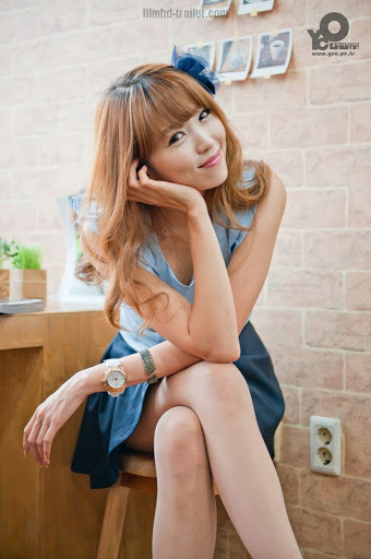 Lee Eun Hye in Blue