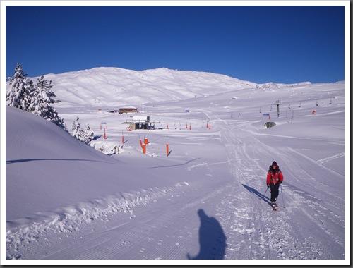 Cap de Baqueira 2466m desde Parking Orri con esquis (Baqueira, Valle de Aran, Pirineos) 2935