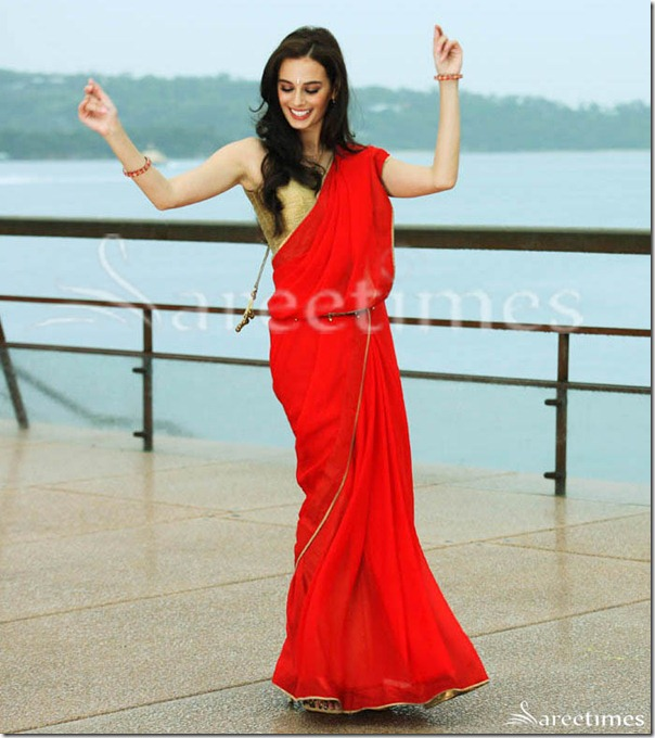 Evelyn_Sharma_Red_Saree