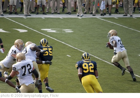 'Theo Riddick on the carry' photo (c) 2009, larrysphatpage - license: http://creativecommons.org/licenses/by-sa/2.0/