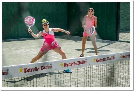 Cata Tenorio en primer plano junto a su compañera Lorena Alonso