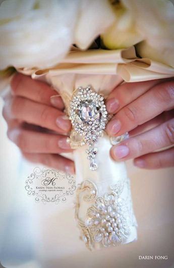 Bridal-bouquet-crystal-brooch karen tran