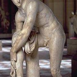 85 - Lisipo - Hermes atandose la sandalia