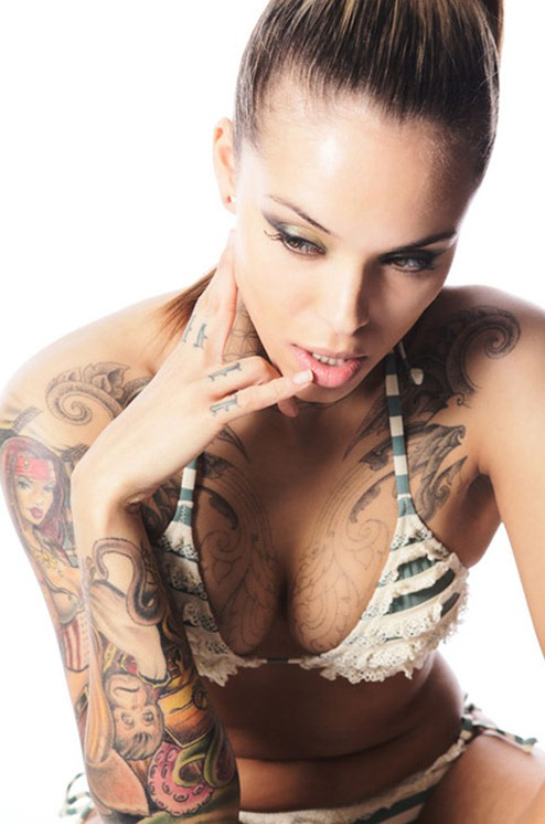 more_ beautifu_l tattooed_ women_ (15)