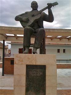 450px-Monumento_Juan_Breva