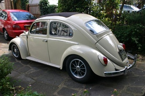 11117-000000978-4a59_VW-Beetle-Ragtop-032