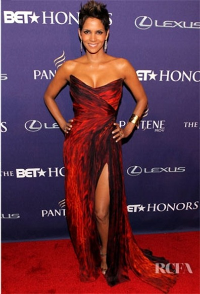Halle-Berry-In-Monique-Lhuillier-BET-Honors-2013