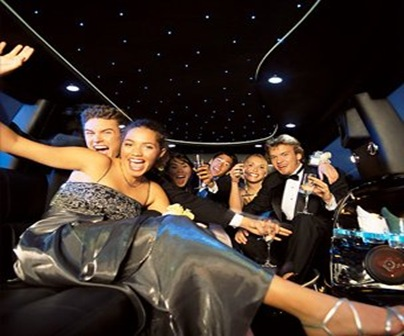 Fascinating Prom Night Games to Have a Night Full of Fun
