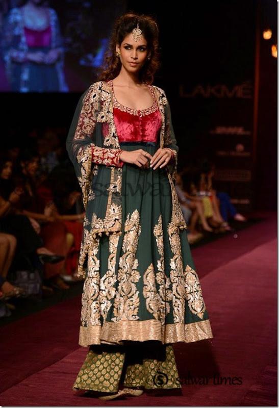 Shyamal_and_Bhumika_Collection_at_Lakme_Fashion_Week_2013 (6)