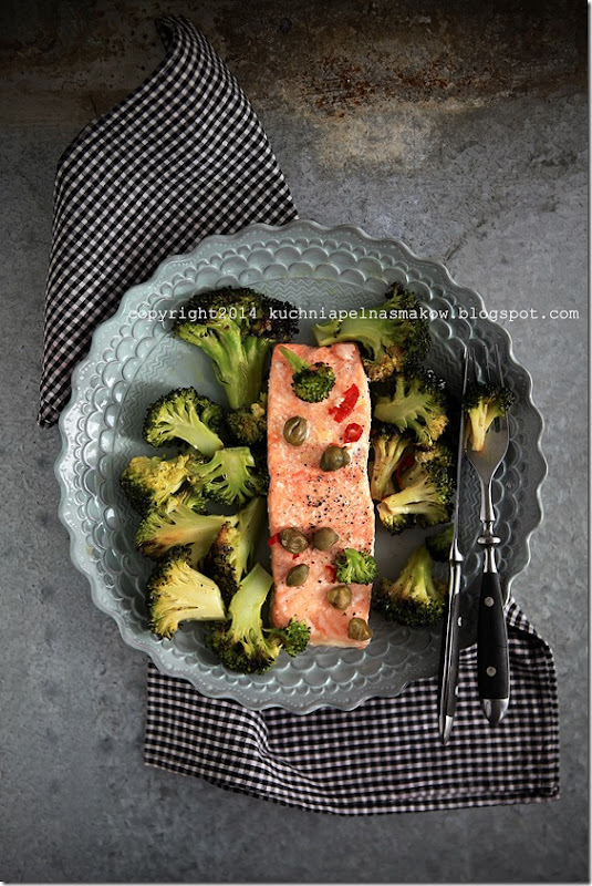 łosoś pieczony z brokułami (2)