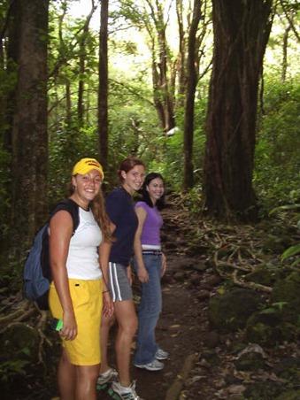 Us Girls Hiking (1)