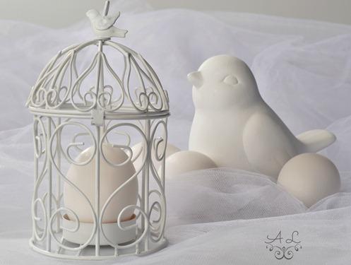White on white on white w egg2