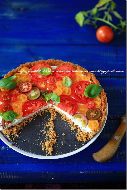 Tarta na krakersach z serkiem z twarożkiem i pomidorami (6)