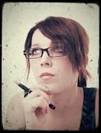 Atraente jovem mulher de negócios com óculos [variação 1]