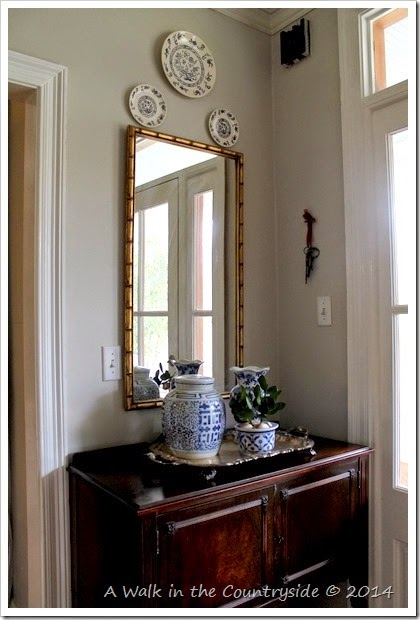 what to do in a small foyer