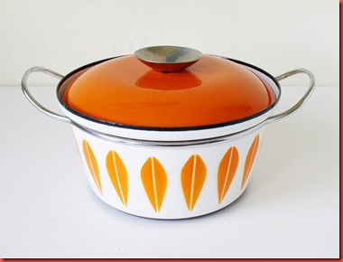 Cathrineholm orange and white lotus leaf pot