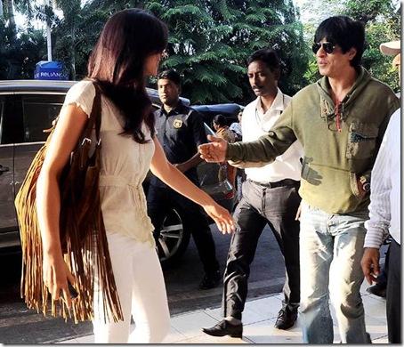 Shahrukh-Khan-Deepika-Padukone-Chennai-Express-Shooting-Goa-4