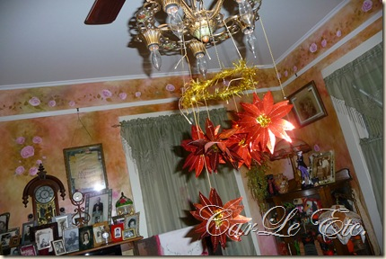 sofa,dbl scarf,christmas2011 031
