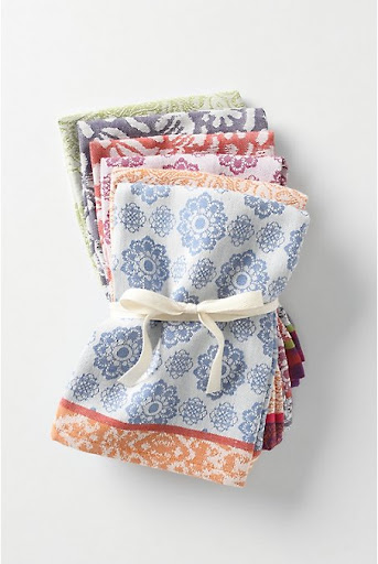 A pack of linen napkins can elevate any beach lunch. (anthropologie.com)