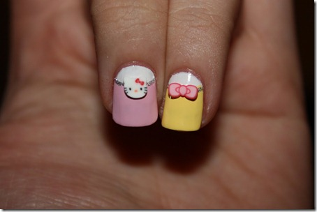 hello-kitty-nails-3