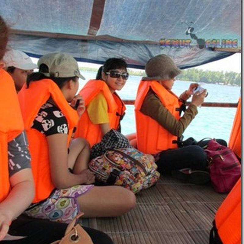 Jadwal Tour Snorkeling di Karimunjawa Hari Pertama