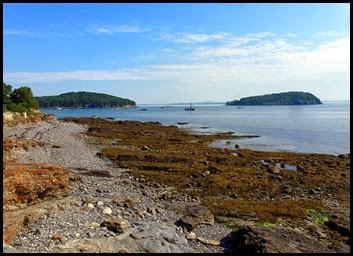 01d - Hiking the Shore Path - views