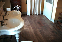 pavimento in legno a listoni di di recupero in prima patina