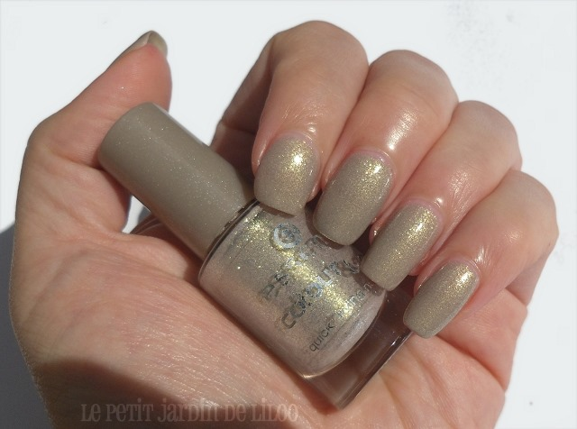 02-essence-irreplaceable-nail-polish-swatch-review