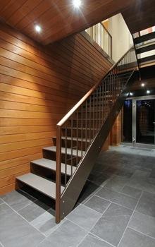 escaleras-casa-casa-arquitectura-sostenible-Pierre-Cabana