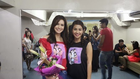 Erich and Kaye - Two Wives mall show in Market Market