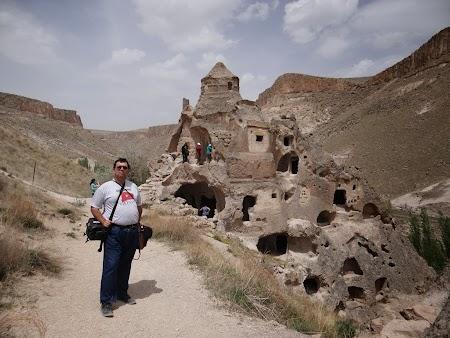 29. Biserica pe valea Soganli, Cappadocia.JPG