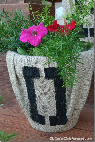 porch and burlap pots 041