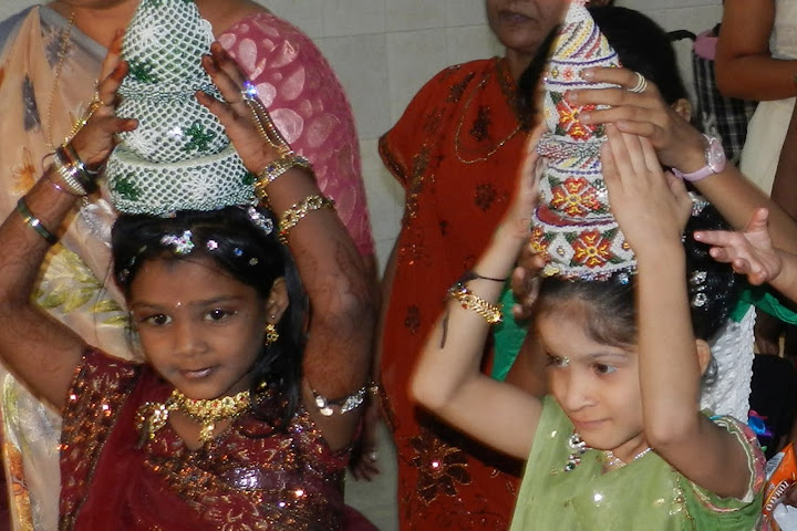 Marriage of an orphan girl MEENA from MTA « PRAGYA