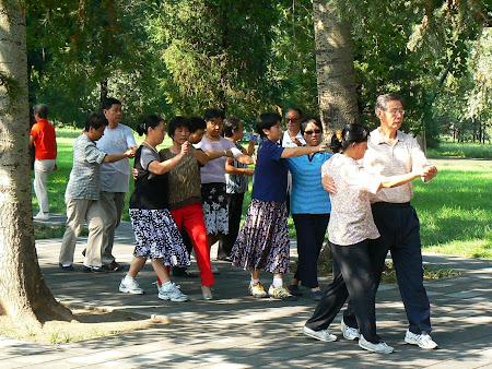 Beijing: Amateur dacers