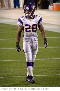 'Adrian Peterson' photo (c) 2011, Mike Morbeck - license: http://creativecommons.org/licenses/by-sa/2.0/
