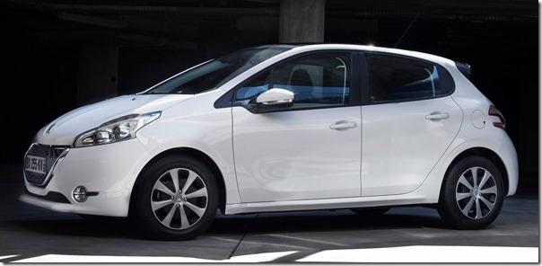Peugeot-208_2013_1600x1200_wallpaper_22
