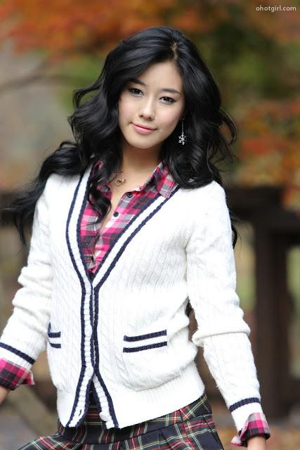 Schoolgirl Kim Ha Yul