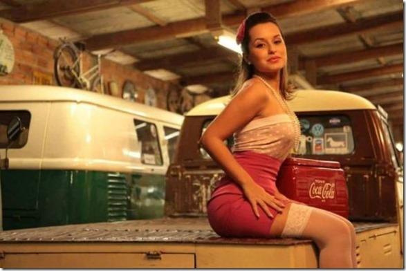 cars-women-mechanic-27