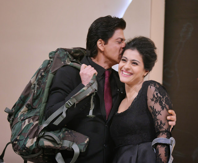 Shahrukh Khan and Kajol celebrate 1000 weeks of DDLJ