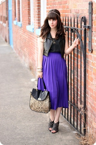 forever-21-bag-black-bcbg-heels-deep-purple-vintage-skirt-black-forever-21_400