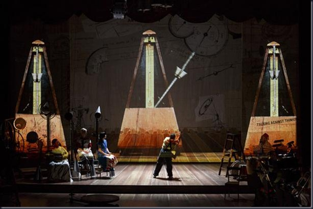 refuse_the_hour2__william_kentridge_0406_-c-_christophe_raynaud_de_lage__festival_davignon_diaporama_full (1)