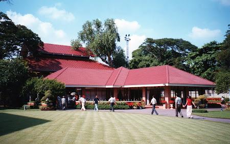 Obiective turistice Bangkok: Vinamtek Palace