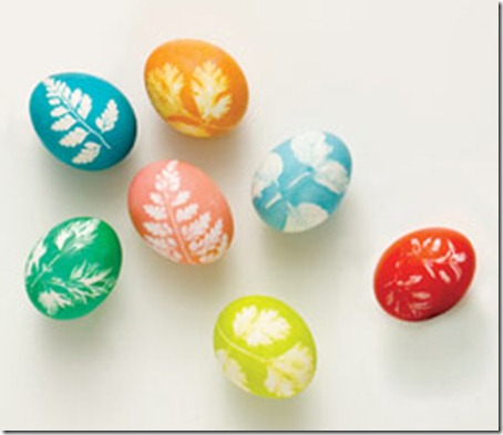 make-leaf-print-eggs-easter-craft-photo-260-FF0308EFDA17