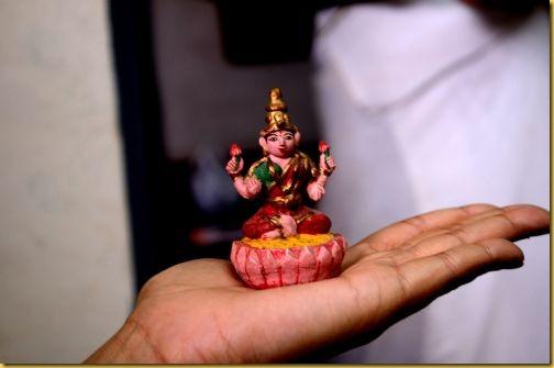 mysore painter, artist from Mysore, Mysore painting, Mysore palace painter, teaches Mysore painting, teaches Tanjore painting