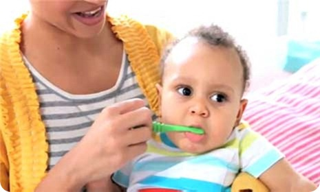 how-to-brush-baby-s-teeth