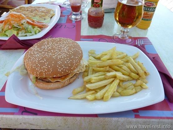 фирменный гамбургер
