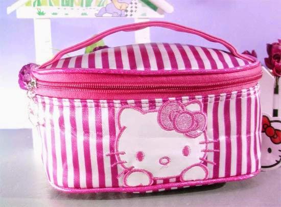 bolsinha-necessaire-maquiagem-hello-kitty-i-love-pink-10.jpg