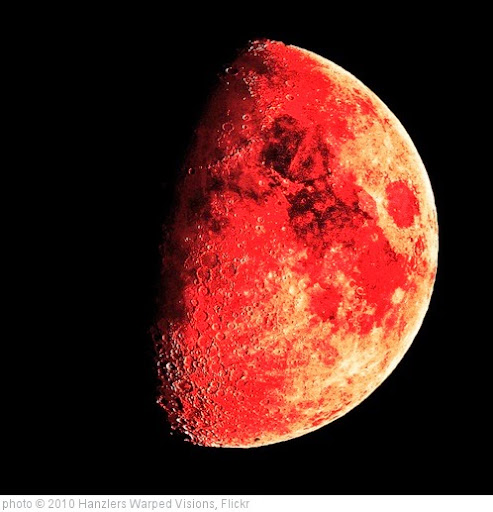 'Blood Moon' photo (c) 2010, Hanzlers Warped Visions - license: https://creativecommons.org/licenses/by/2.0/