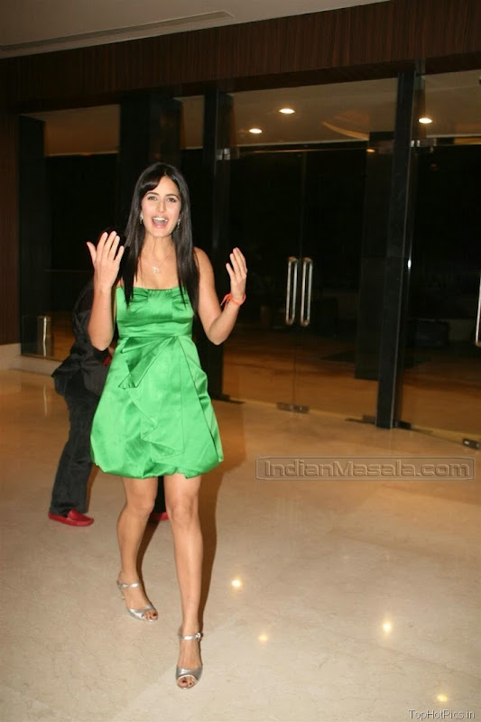 Katrina Kaif Beautiful Photos in Short Green Dress 3